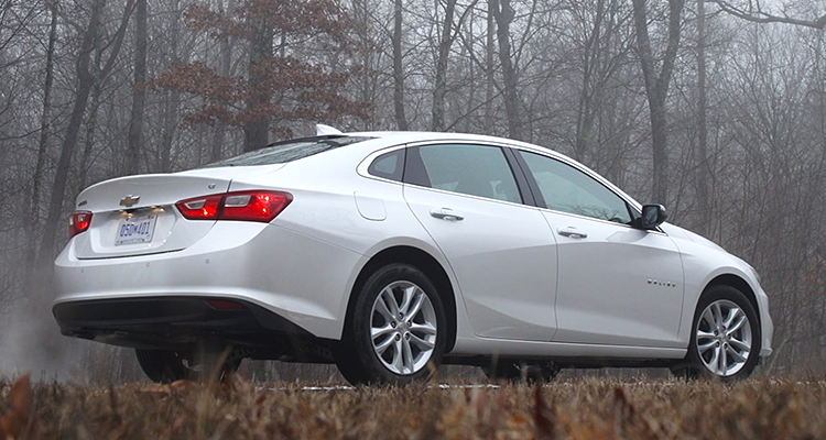 Redesigned 2016 Chevrolet Malibu Sings - Consumer Reports