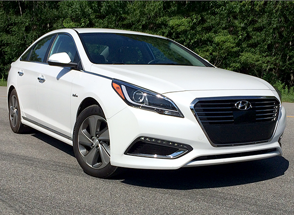 2016 hyundai sonata plug in hybrid first drive consumer reports. Black Bedroom Furniture Sets. Home Design Ideas