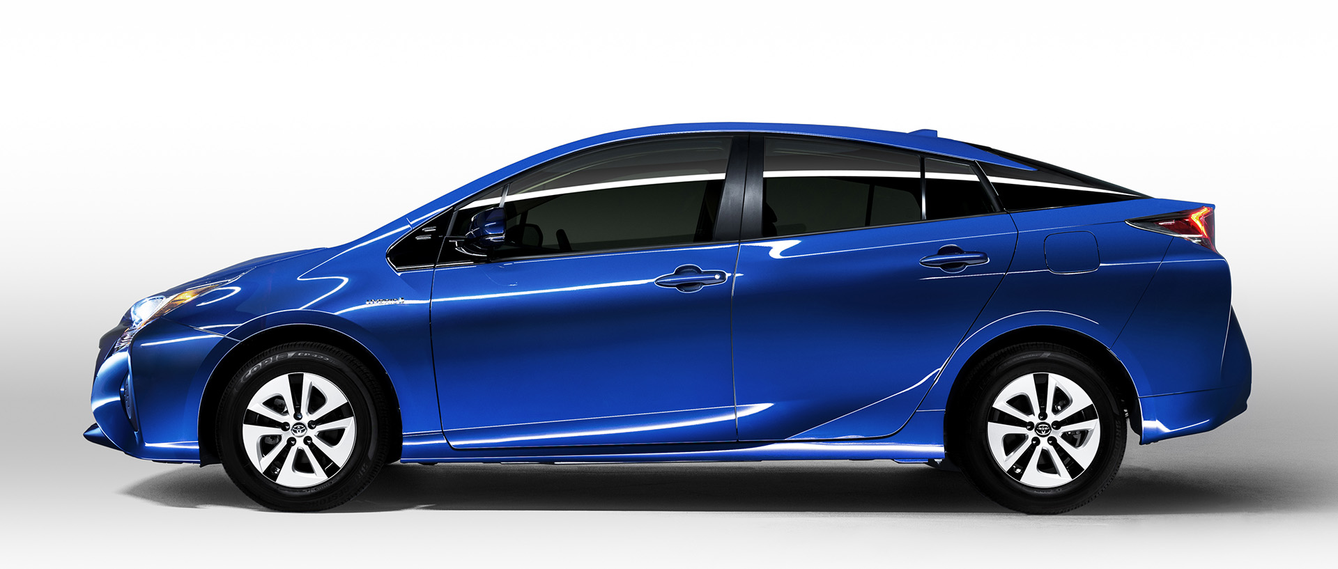 2016 Toyota Prius Sportier And More Fuel Efficient Consumer Reports