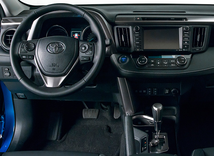 2016 toyota rav4 hybrid charges ahead consumer reports. Black Bedroom Furniture Sets. Home Design Ideas
