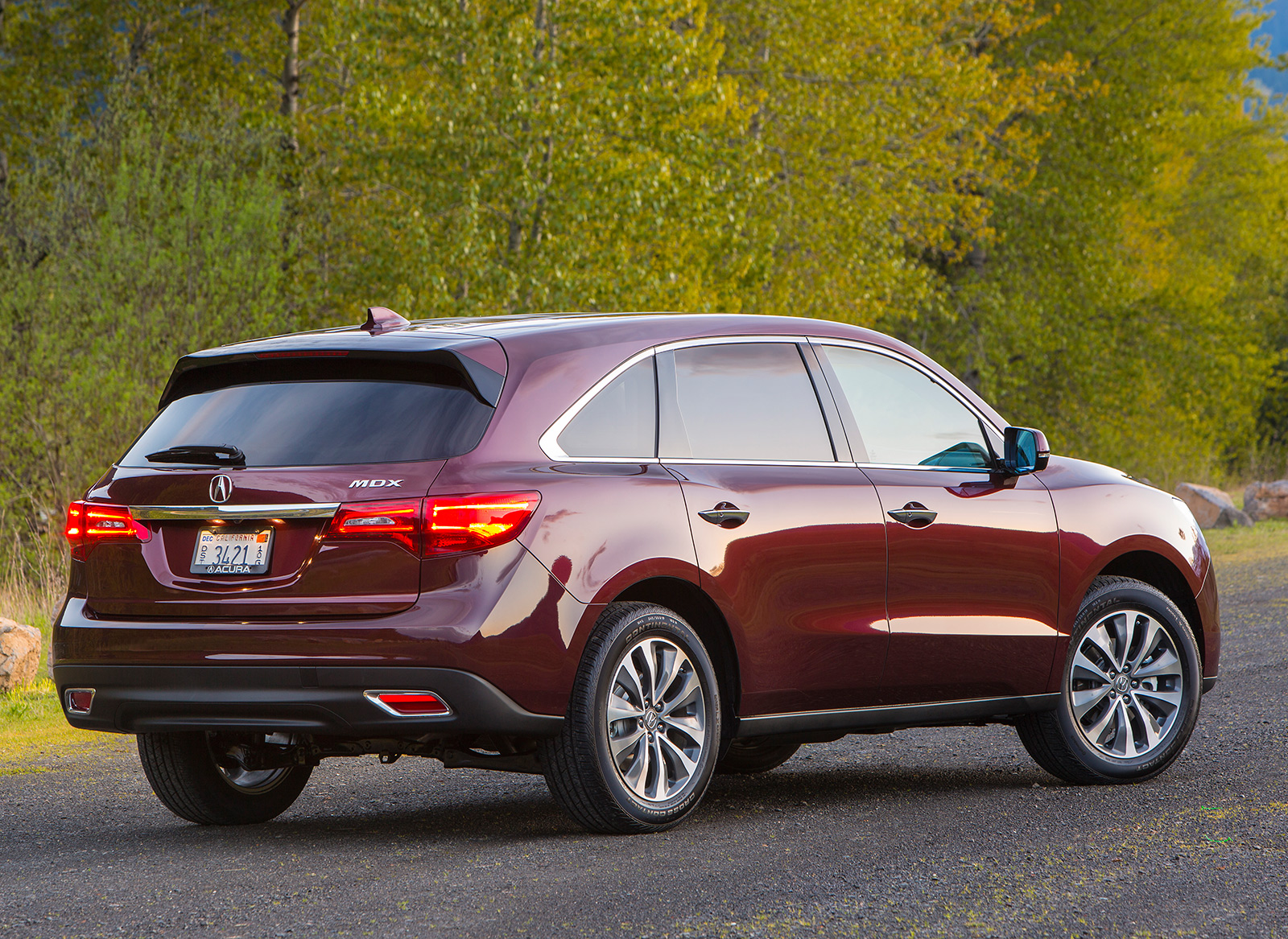 Acura Mdx Is The 2016 Or The 2015 Model The Best Choice