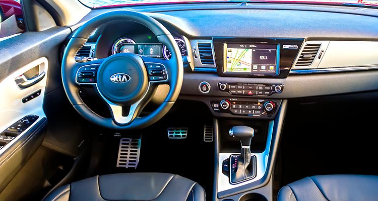 2017 Kia Niro Hybrid interior