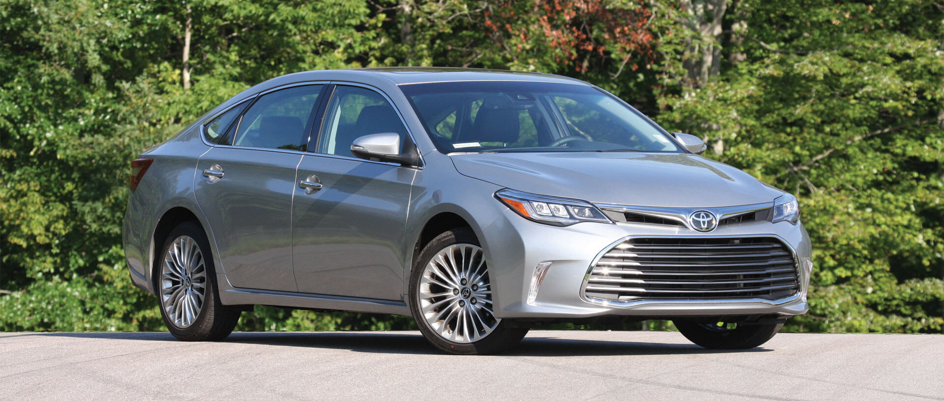 revised 2016 toyota avalon smoothens the ride consumer reports. Black Bedroom Furniture Sets. Home Design Ideas