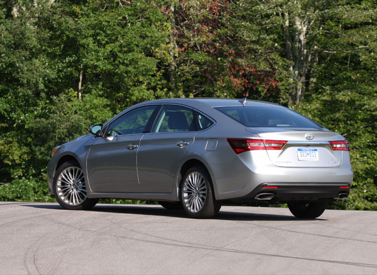 Revised 2016 Toyota Avalon Smoothens The Ride