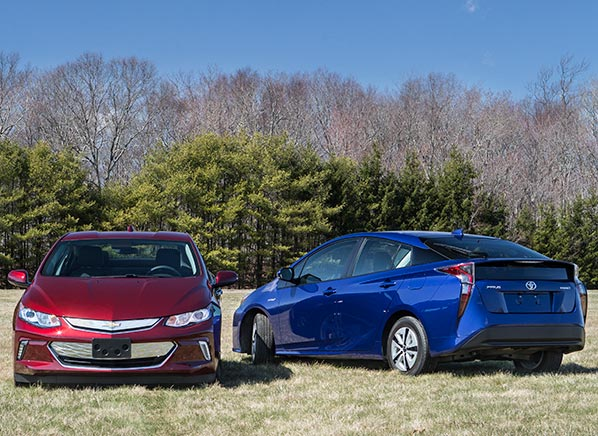 Best City Cars: Best MPG Cars For City & Highway Commutes