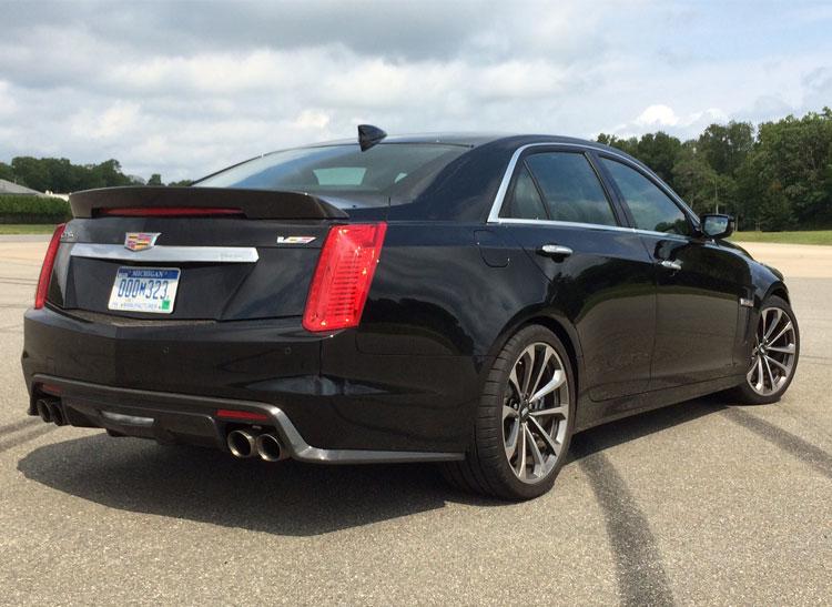 640 Hp Cadillac >> Piloting the 640-hp Cadillac CTS-V Super Sedan - Consumer
