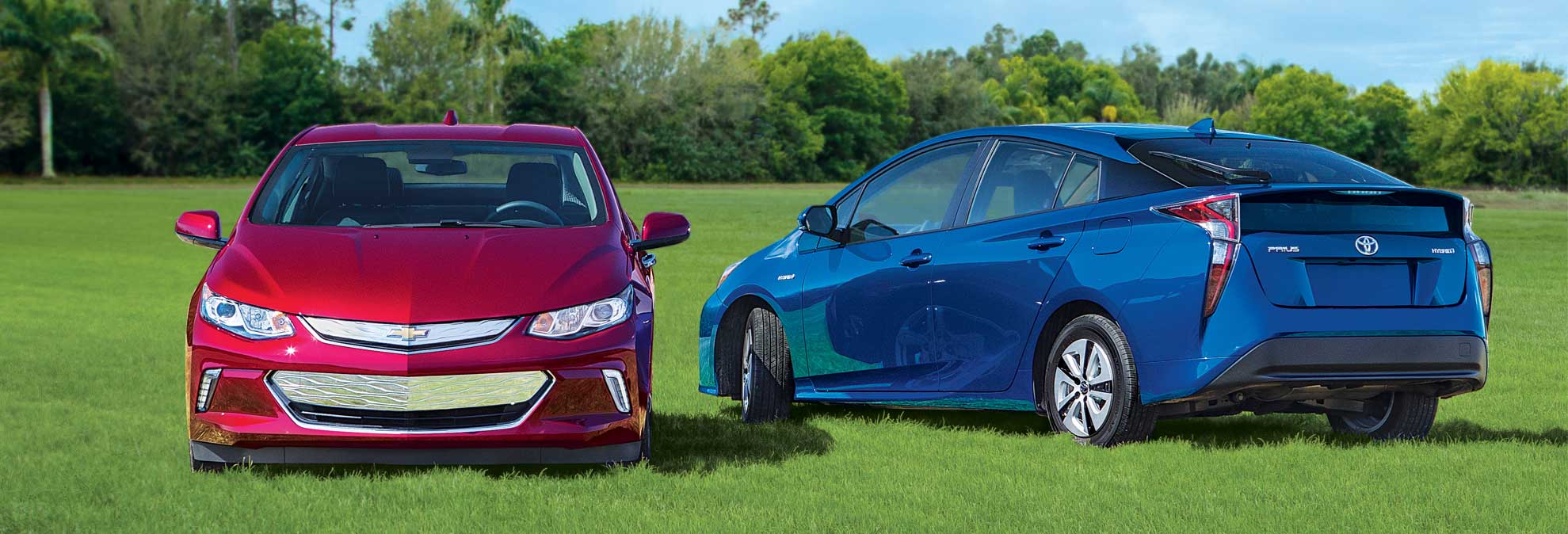 volt vs prius a plug in takes on a hybrid consumer reports. Black Bedroom Furniture Sets. Home Design Ideas