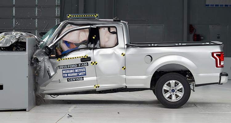 2015 Ford F-150 crash test