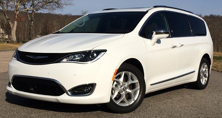 2017 Chrysler Pacifica Has the Goods to Challenge Minivan Leaders