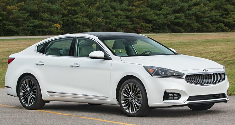 2017 kia cadenza sedan grows stays classy consumer reports. Black Bedroom Furniture Sets. Home Design Ideas