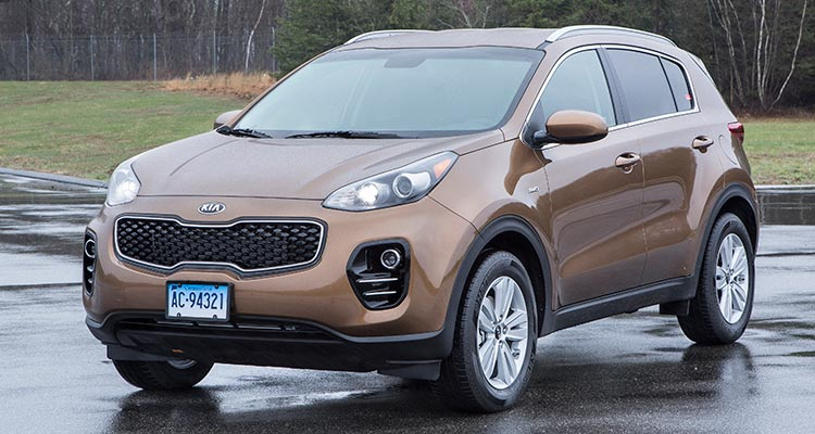 2017 kia sportage turns heads among small suv shoppers consumer reports. Black Bedroom Furniture Sets. Home Design Ideas