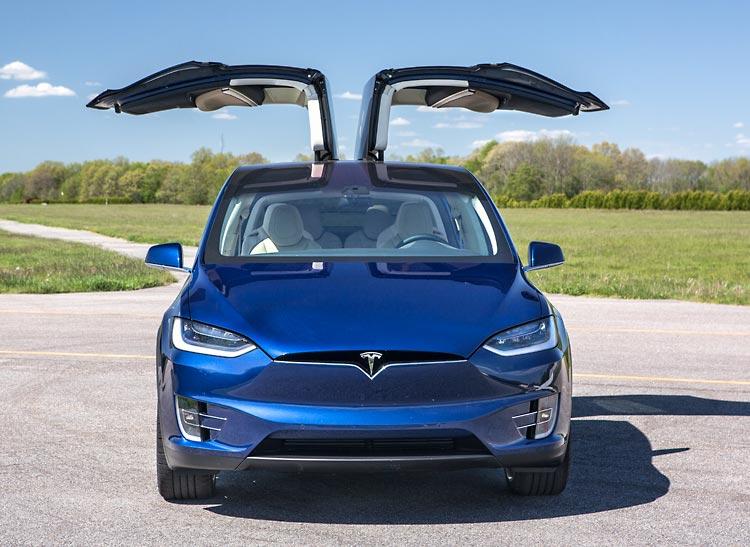 39 talking cars 39 video podcast looks at tesla model x 2017 for Tesla model x porte
