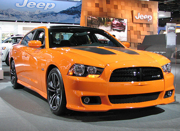 Chrysler muscle cars 2014 detroit auto show consumer for Garage auto orange