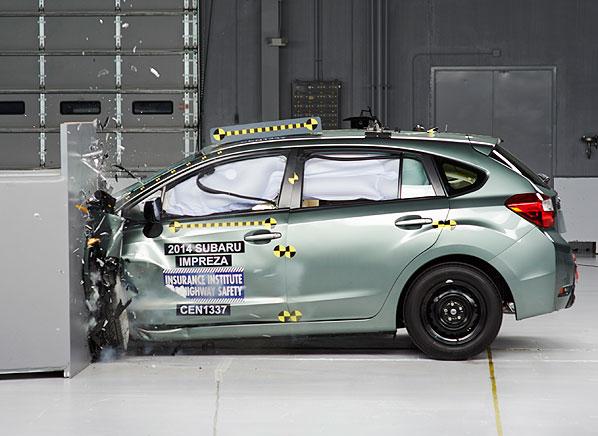 Subaru impreza xv crosstrek earn top crash test score for Cross country motor club subaru
