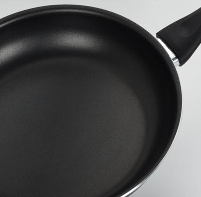 Photo of an aluminum pan.