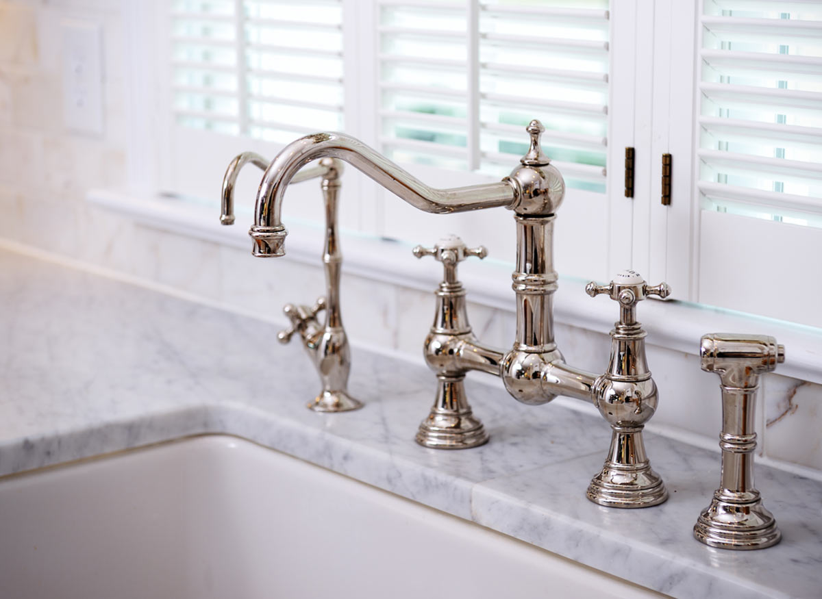 7 Faucet Finishes For Fabulous Bathrooms: Best Faucet Buying Guide