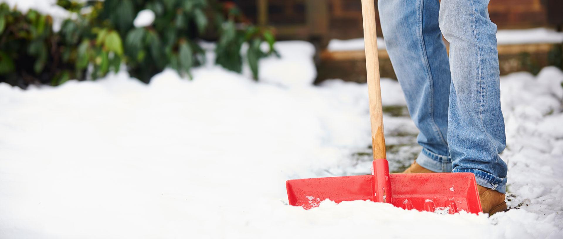 New Twist On An Ergonomic Snow Shovel Consumer Reports
