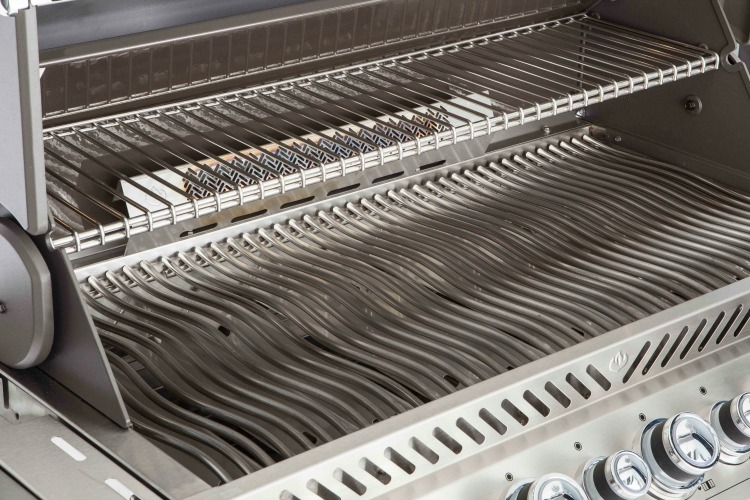 Napoleon Prestige Pro 665RSIB Gas Grill For Story On Reliable Gas Grill  Brands.