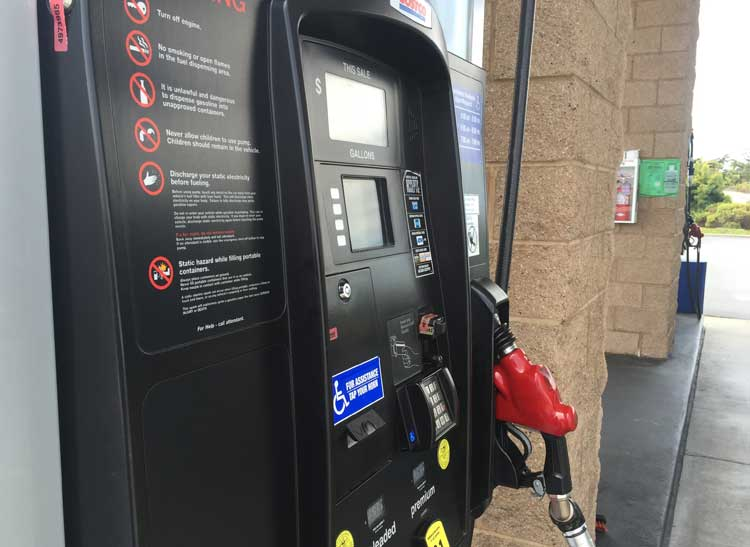 Cash-back gas credit cards can help you save at the gas pump.
