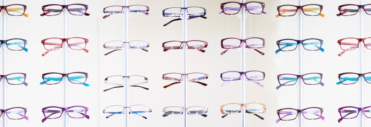 8 Great Ways to Save on the Cost of Eyeglasses - Consumer Reports