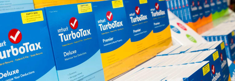 Tax preparation software review on Turbotax, TaxAct and H&R Block