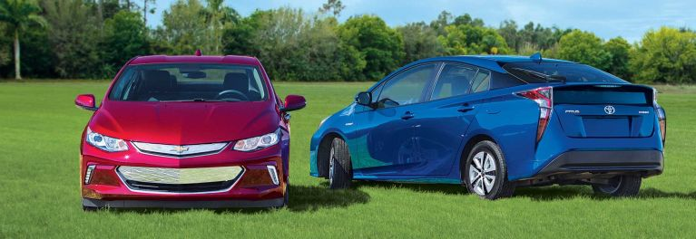Chevrolet Volt And Toyota Prius Face Off