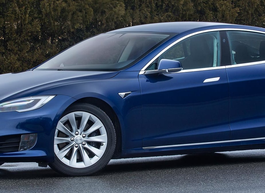 Updated Tesla Model S 60D Adds Features and Promises